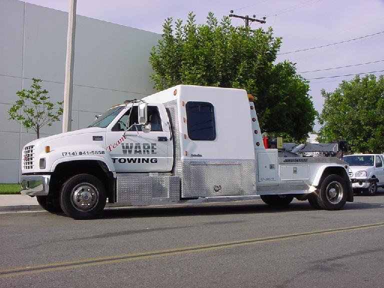Wheel Lift & Flat Bed Tow Trucks Are Standing By To Serve You!